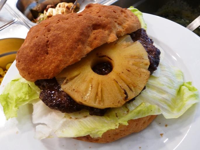 Gluténmentes ananászos burger