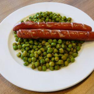 sült virsli limeos zöldborsón gluténmentes