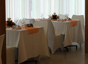 Szederinda esküvői asztal